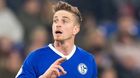 In der Partie zwischen Schalke und Manchester City will Bastian Oczipka für eine Überraschung sorgen.