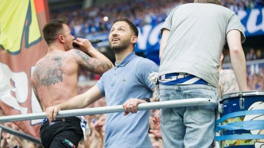 Der FC Schalke 04 verabschiedete sich von Domenico Tedesco mit einem bewegenden Video.