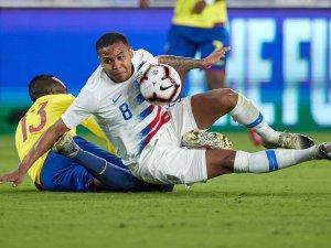 Weston McKennie von Schalke 04 verletzte sich im Spiel für die USA.