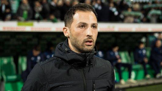 Ex-Schalke-Trainer Domenico Tedesco hat einen überraschenden Anruf aus England erhalten.