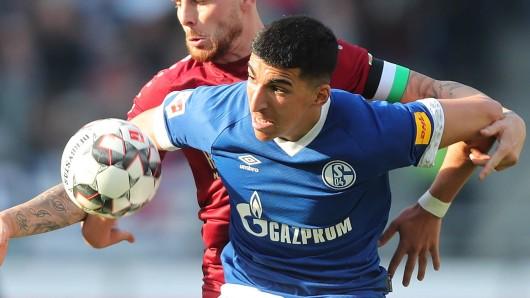 Nassim Boujellab kam in Hannover erstmals bei den Schalker Profis zum Einsatz.