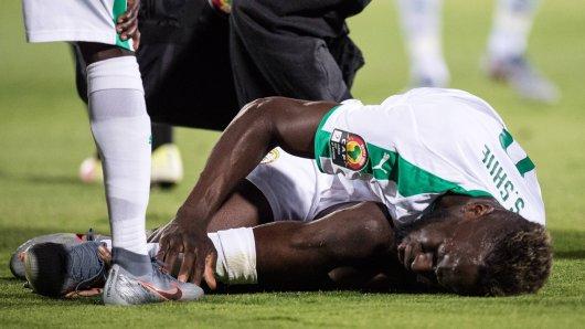 Salif Sané vom FC Schalke 04 verletzte sich beim Länderspiel Senegals.