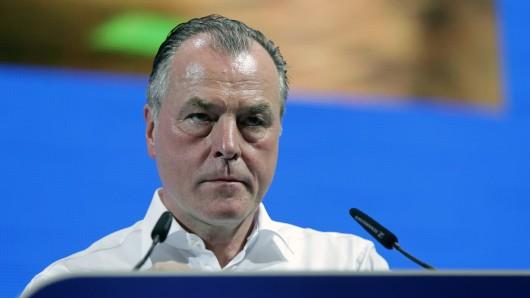 Clemens Tönnies lässt derzeit sein Amt als Aufsichtsratsboss des FC Schalke 04 ruhen.