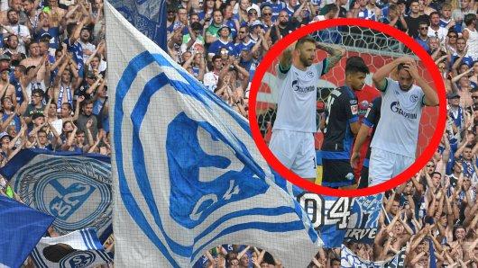 Die Fans des FC Schalke 04 kritisierten die Chancenverwertung der S04-Stürmer im Spiel beim SC Paderborn.