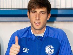 Juan Miranda will zwei Jahre beim FC Schalke 04 bleiben.