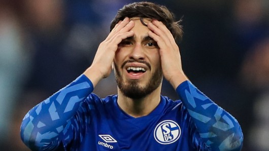 Suat Serdar vom FC Schalke 04 wurde ins DFB-Team berufen. Das gefällt nicht jedem in der Fußballwelt.