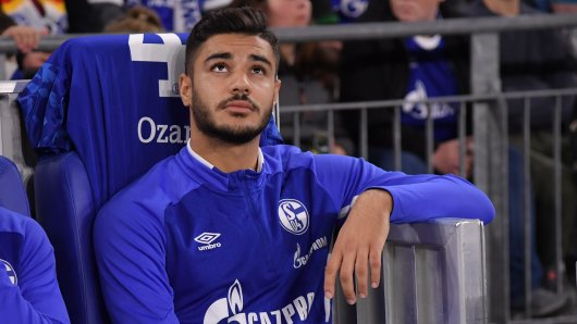 Ozan Kabak musste bisher zu Spielbeginn immer auf der Bank Platz nehmen.