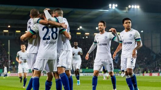 Arminia Bielefeld - FC Schalke 04 im Live-Ticker: Hier alle Infos zum DFB-Pokal!