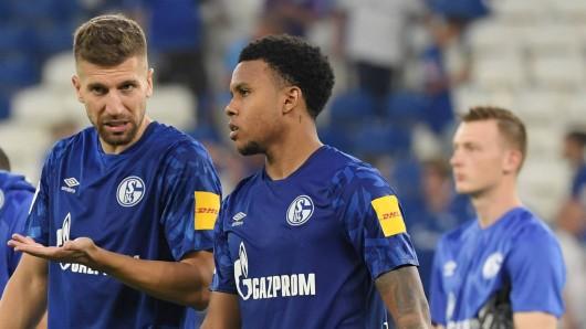 Dem FC Schalke 04 droht ein längerer Ausfall von Matja Nastasic (l.)