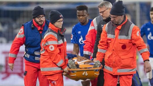 Schalke muss in der ersten Halbzeit einen schweren Schock verdauen.