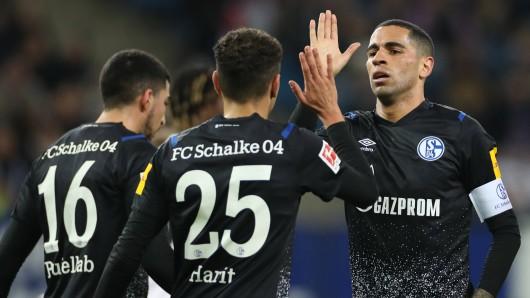 Der FC Schalke 04 hat den Hamburger SV im letzten Test vor dem Rückrundenauftakt klar mit 4:0 besiegt.