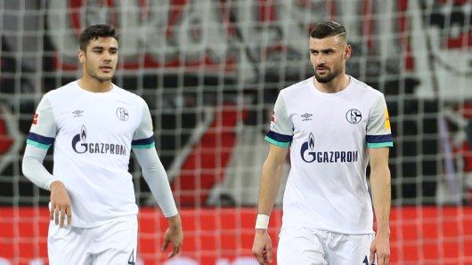 Vor seinem Wechsel zum FC Schalke 04 sprach Ozan Kabak (l.) mit dem FC Bayern München.