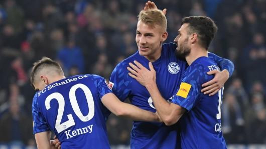 Beim FC Schalke 04 blicken in der Corona-Krise einige Spieler in eine ungewisse Zukunft.