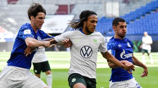 Schalke läuft hinterher, Wolfsburg deutlich überlegen.