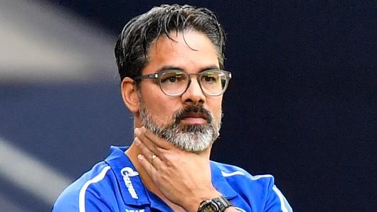 Muss David Wagner den FC Schalke 04 verlassen? Auf der auf Mittwoch verschobenen Pressekonferenz wird es die Antwort geben.