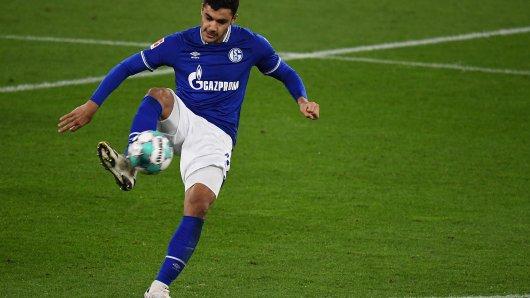 FC Schalke 04 – Werder Bremen: Ozan Kabak zog in der ersten Halbzeit den Unmut der Fans auf sich.