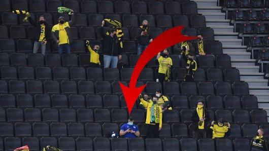 Ein Fan des FC Schalke 04 schaffte es beim Derby ins BVB-Stadion.