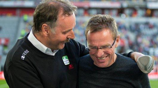 Ein Kult-Trainer bietet dem FC Schalke 04 seine Hilfe an.