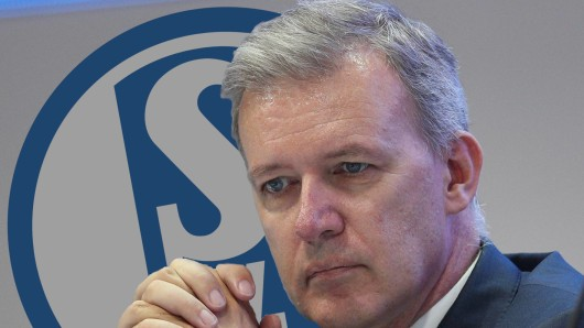 Beim FC Schalke 04 verkündet Aufsichtsrats-Chef Jens Buchta, das Clemens Tönnies sein Angebot zurückgezogen hat.