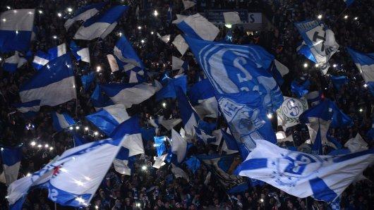 Die Fans des FC Schalke 04 haben sich eine besondere Aktion ausgedacht.