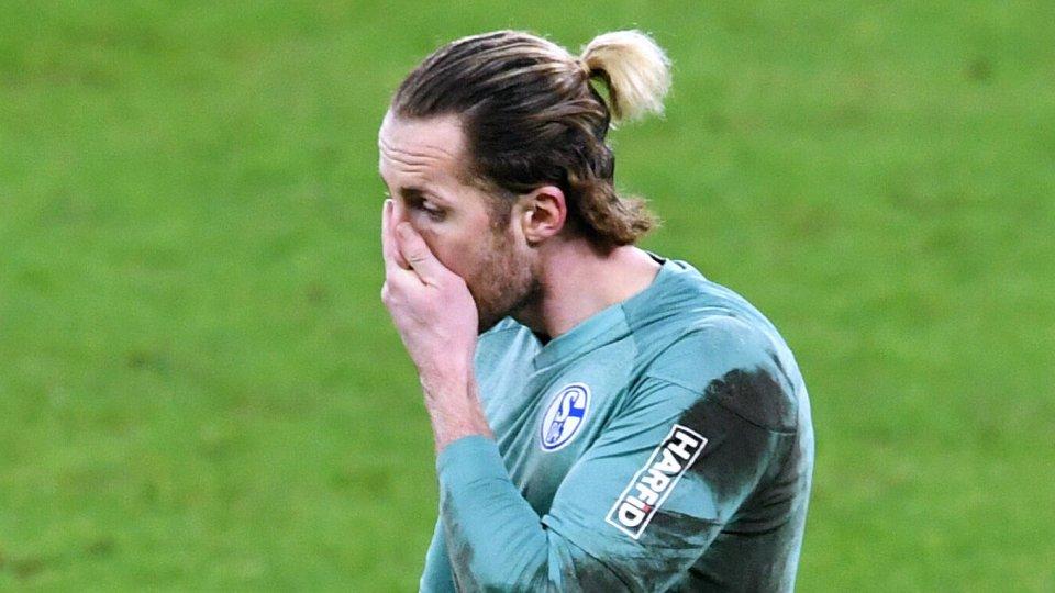 Ralf Fährmann, Keeper des FC Schalke 04, war nach der Pleite bedient.