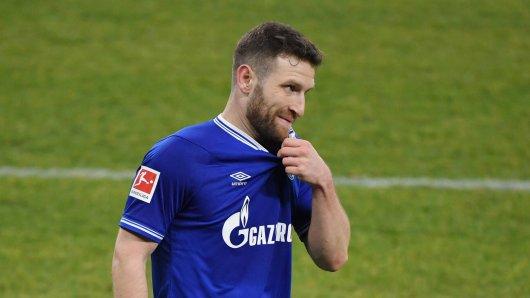 FC Schalke 04: Neuzugang Shkodran Mustafi erzählt im Interview, in welchen Momenten seine Frau ihn lieber in Ruhe lassen sollte.
