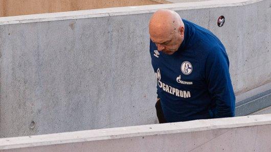 Schalke-Trainer Christian Gross musste erneut eine bittere Niederlage hinnehmen.
