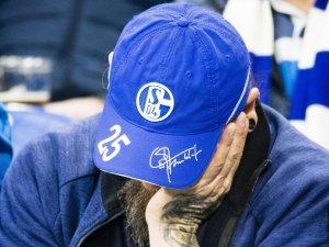 Die Fans des FC Schalke 04 bangen – heuert ihre Wunschlösung nun ausgerechnet bei der Konkurrenz an?