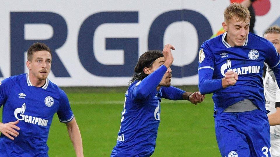 Beim FC Schalke 04 stehen zwei Defensiv-Spezialisten vor dem Absprung.
