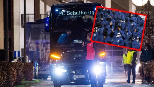 FC Schalke 04: Nach der Fan-Attacke hat die Polizei eine Ermittlungskommission eingerichtet.