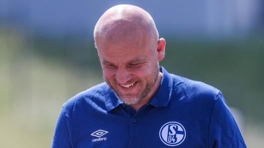 Beim FC Schalke 04 hat Sportdirektor Rouven Schröder alle überrascht.