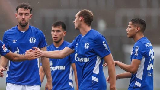 FC Schalke 04: Auf dem Platz stand ein unerwartetes Gesicht.