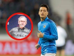 Mesut Özil ließ sich nach dem Europa-League-Spiel mit Fenerbahce mit einem deutschen Politiker ablichten.