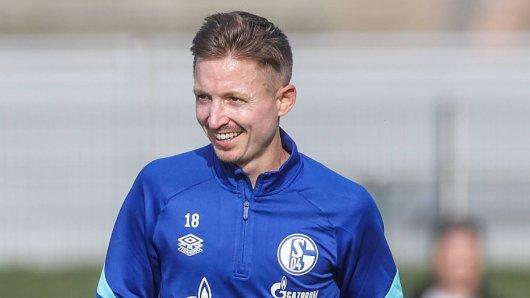 Der FC Schalke 04 hat Marc Rzatkowski verpflichtet.