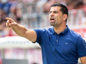 FC Schalke 04: Dimitrios Grammozis reagiert auf die Kritik der Fans.