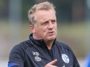 FC Schalke 04: Co-Trainer Mike Büskens widmet den Rostock-Sieg Michael Langer.