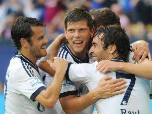 Eine Klublegende des FC Schalke 04 steht wieder auf dem Feld.