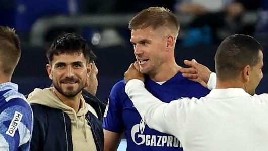 Beim FC Schalke 04 warten alle sehnsüchtig auf die Rückkehr von Danny Latza (l.)