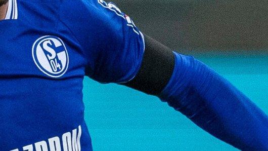 Beim FC Schalke 04 starb im Sommer ein Kultfan. Nun sendet die Witwe einen Hilferuf.