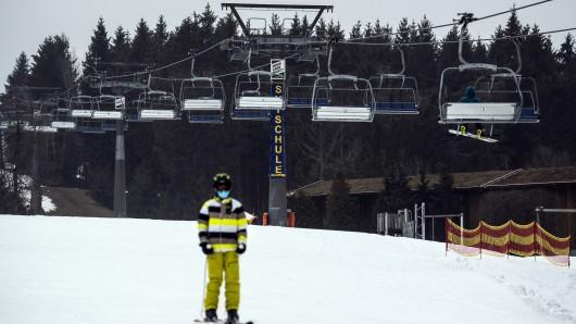In Winterberg wird es wieder winterlich! Die Skilifte sind wieder geöffnet. (Symbolbild)