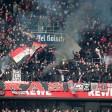Leverkusener Ultras zünden Pyrotechnik