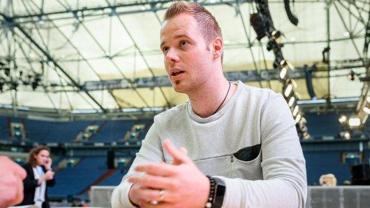 Max Hopp sprach im Funke Sports-Interview über sein bevorstehendes Darts-Turnier in der Veltins-Arena Auf Schalke in Gelsenkirchen. Der erfolgreiche Dart-Spieler aus Plauen wird bei den German Darts Masters vor ca. 20.000 Zuschauern auf die Weltspitze treffen.