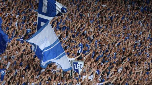 Die Fans des 1. FC Magdeburg dürfen nicht mehr hüpfen.
