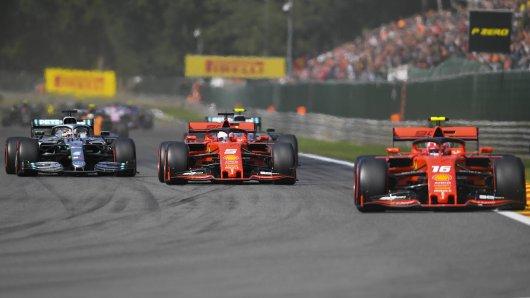 Formel 1 im Live-Ticker: Vettel will die Silberpfeile in die Schranken weisen.