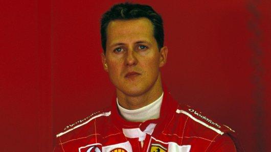 Die Fans von Michael Schumacher wünschen sich ein Lebenszeichen von der Formel-1-Legende.