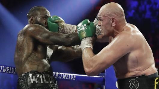 Deontay Wilder und Tyson Furylieferten sich einen packenden Weltmeister-Fight in Las Vegas.