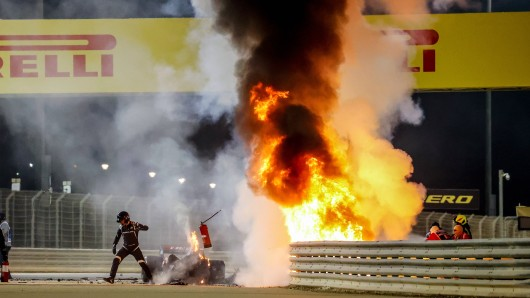 In der Formel 1 beim Bahrain-GP gab es einen dramatischen Unfall.