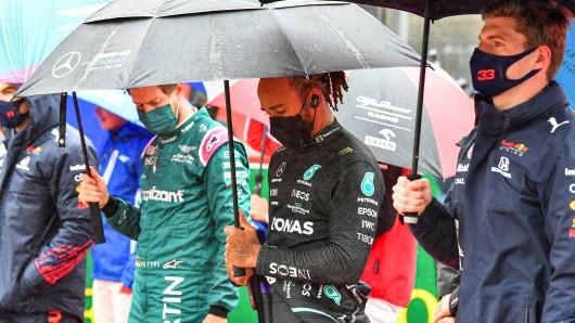 Sebastian Vettel (l.) und Lewis Hamilton (m.) zeigten sich nach dem Belgien GP verärgert.