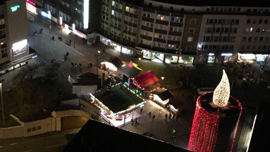 Wenn man vom Forum auf die Schlossstraße schaut, kommt nicht gerade viel Weihnachtsstimmung auf.
