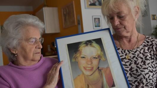 Hedwig (84) und Erika Schneider (58) lässt das Verschwinden von Bianca Blömeke bis heute nicht los. Der Fall ist bis heute ungelöst.